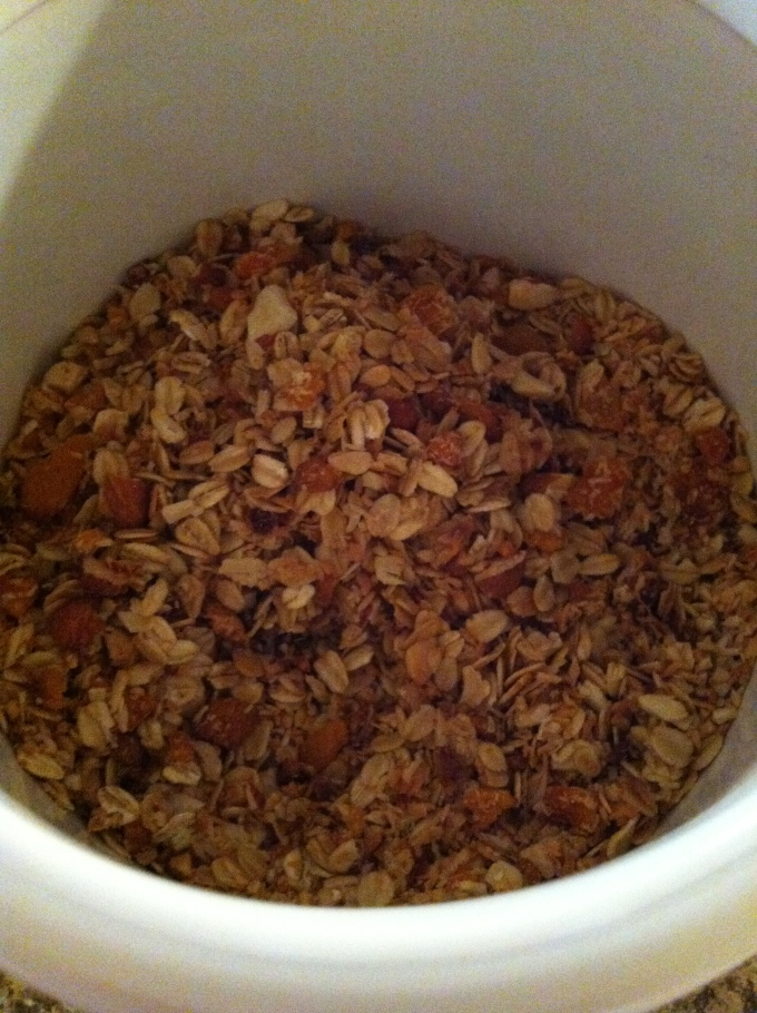Inspired by Roye, I successfully attempted my first batch of homemade granola this week, SOOOOOO GOOD!