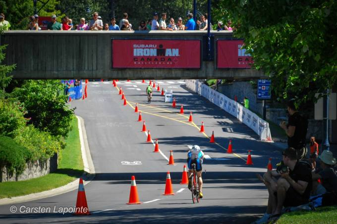 Rolling towards T2 just behind one of the pro men.